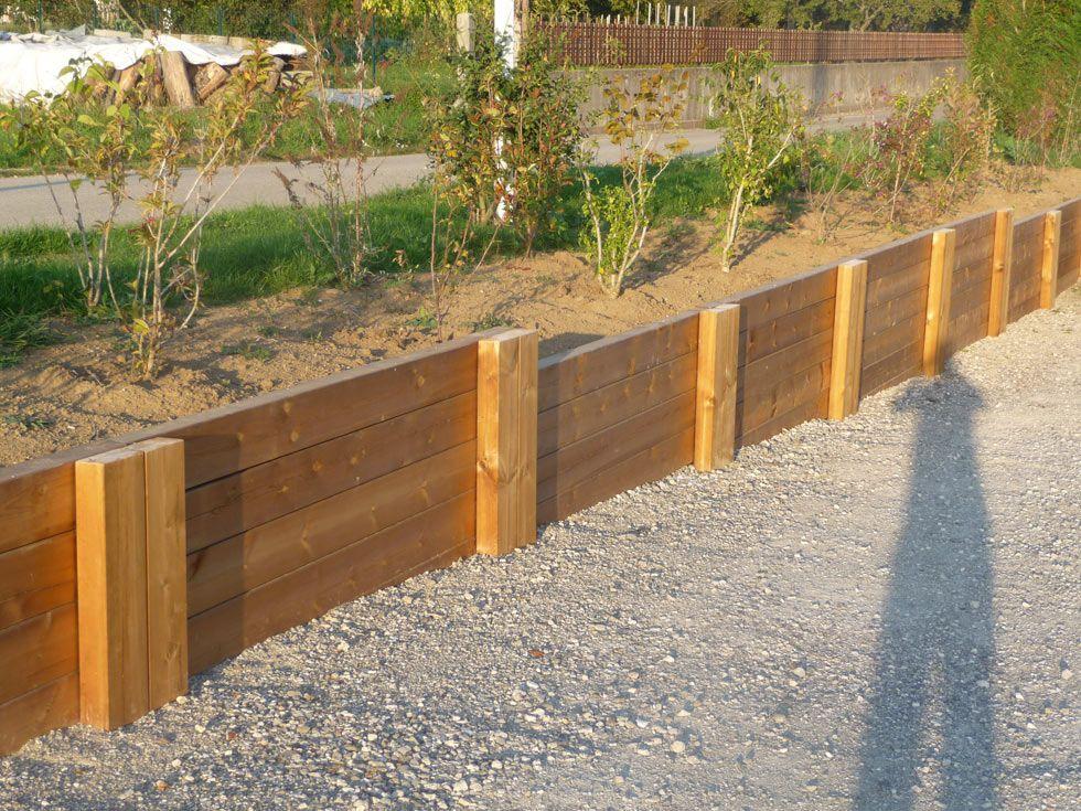 Mur t bois en poutres paysag res autoclaves for Muret bois jardin