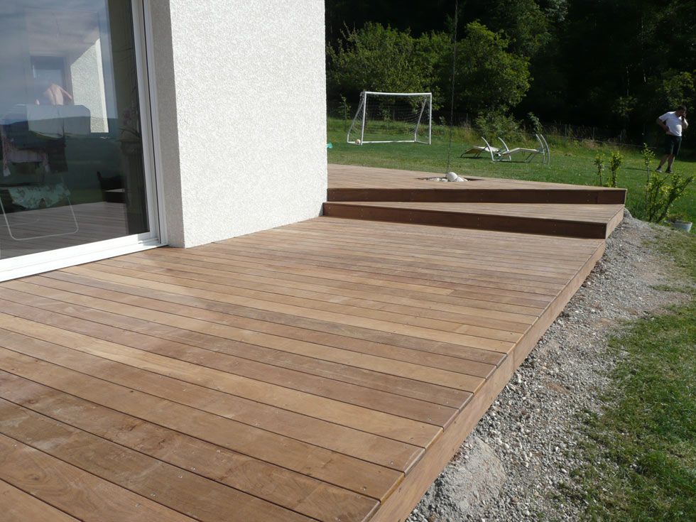 Terrasse en bois exotique for Lame de terrasse castorama