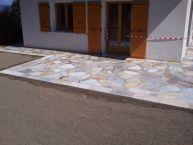 Terrasse en pierres naturelles Quartzites en opus incertum + escalier paysager